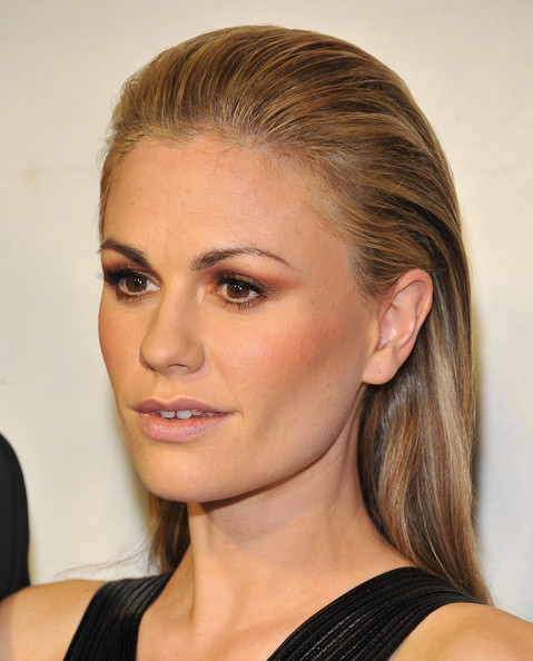 More Pics of Anna Paquin Long Straight Cut (2 of 19) - Anna Paquin Lookbook - StyleBistro
