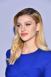 Nicola Peltz showed off perfectly styled ombre waves at the Tom Ford fashion show.