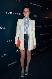 Olivia Munn's preppy look had a bit of a funky flare with an oversized plaid blazer.