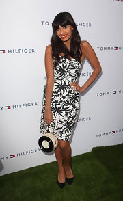 This black-and-white palm tree print dress was a strong and stylish fashion choice for Jameela.