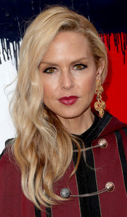 Rachel Zoe looked glam, as usual, wearing this wavy side sweep at the Tommy Hilfiger fashion show.