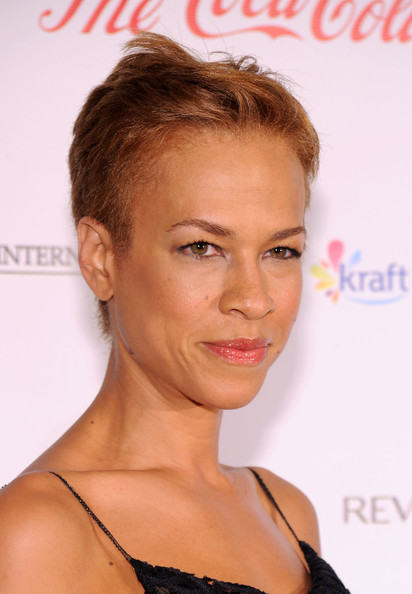 Tonya Lewis Lee Boy Cut [red carpet,hair,face,hairstyle,eyebrow,chin,lip,brown hair,forehead,blond,shoulder,tonya lewis lee,blue scholarship,new york city,the plaza hotel,spelman college,blue scholarship gala]