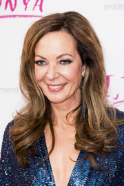 Allison Janney attended the UK premiere of 'I, Tonya' wearing her hair in bouncy curls.