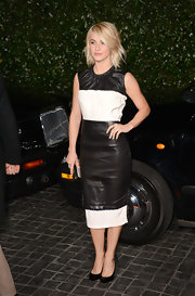Julianne joined two trends with this black-and-white leather dress at the Topshop LA party.
