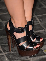 Lauren Pope's platform sandals gave her both a casual yet dressy look at the Topshop Topman LA opening.