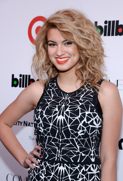 Tori Kelly Clothes
