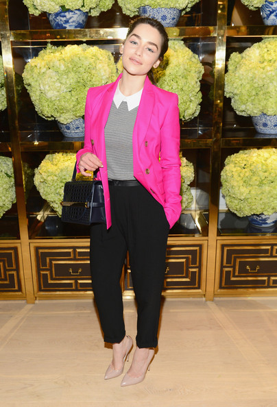Emilia Clarke's navy single-strap Tory Burch tote added major elegance to her casual ensemble.