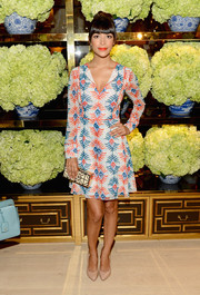 Hannah Simone was breezy-chic in a Tory Burch print dress during the label's Rodeo Drive opening.