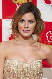 Amaia Salamanca's messy blonde updo definitely complemented her 2012 TP De Oro Awards look.