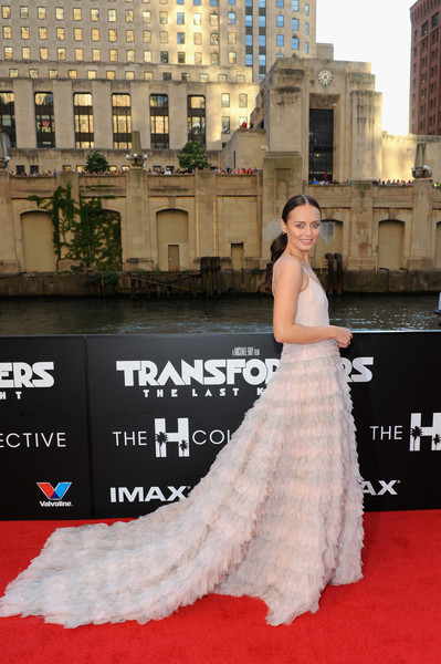 More Pics of Laura Haddock Princess Gown (8 of 15) - Laura Haddock Lookbook - StyleBistro
