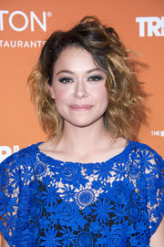 Tatiana Maslany was rocker-glam with her messy bob at the 2017 TrevorLIVE LA Gala.