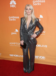 Julianne Hough paired her suit with a black box clutch by Lee Savage.
