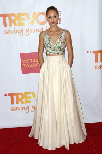 Laura Vandervoort was a breath of summer air at TrevorLIVE in a flowy House of Ronald dress with a cutout bodice.