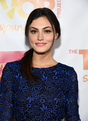 Phoebe Tonkin sported an edgy-casual ponytail at the TrevorLIVE LA event.