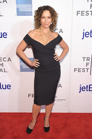 Jennifer Grey went for a classic, elegant look with this off-the-shoulder LBD at the premiere of 'Trust Me.'