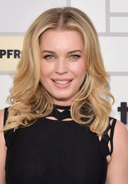 Rebecca Romijn looked oh-so-lovely with her feathered waves at the Turner Upfront 2015.