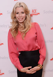 Aviva Drescher donned a peach button-down shirt at the 20th Anniversary Gala of ACE.