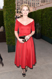 Jennifer Morrison paired her lovely dress with Art Deco-chic T-strap sandals by Greymer.
