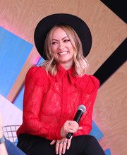 Olivia Wilde sported a black wide-brimmed hat while visiting #TwitterHouse during SXSW.