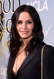 Courteney Cox sported a shoulder-length wavy hairstyle at the 2019 Hollywood for Science Gala.