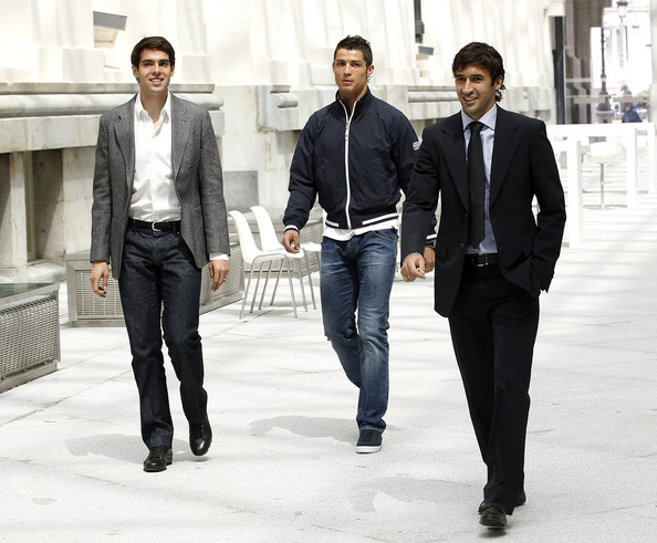 Cristiano Ronaldo opted for a navy blue jacket paired with classic jeans.