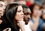 Khloe has her NBA husband Lamar Odom's initial tattooed on her right hand.