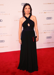 Ming-Na Wen attended the Unforgettable Gala 2018 wearing a sexy-glam halter gown.