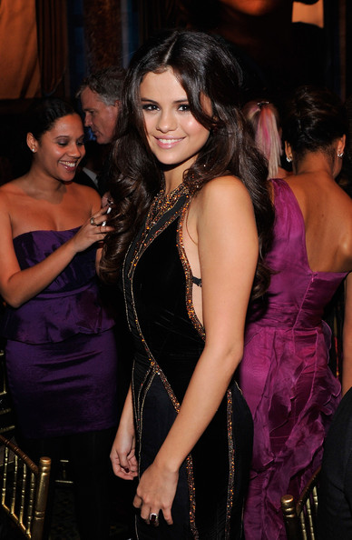 More Pics of Selena Gomez Half Up Half Down (5 of 27) - Updos Lookbook - StyleBistro