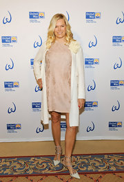 Avis Richards looked elegant in this white swing coat at the Women's Leadership Council event.