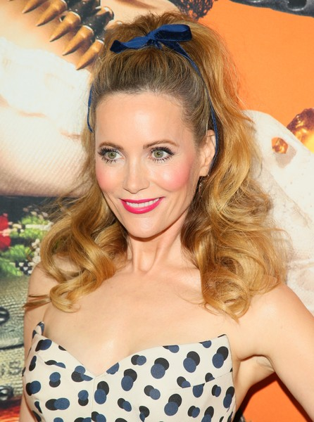 Leslie Mann went ultra sweet with this curly ponytail at the premiere of 'Welcome to Marwen.'