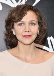 Maggie Gyllenhaal went to the grand opening of Vandal wearing this cute wavy bob.