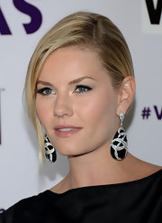 Elisha Cuthbert dazzled in a pair of diamond and onyx earrings.