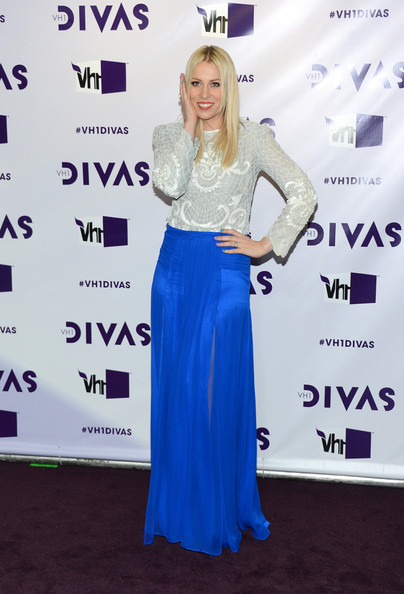 More Pics of Natasha Bedingfield Long Skirt (1 of 9) - Long Skirt Lookbook - StyleBistro