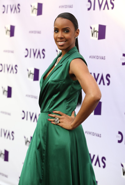 More Pics of Kelly Rowland Ponytail (4 of 21) - Kelly Rowland Lookbook - StyleBistro