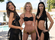 Candice wore an 18-karat gold Polished Rock Candy gelato bangle in mocha, while promoting Victoria's Secret Swim Wear.