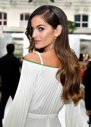 Izabel Goulart was elegantly coiffed with this long wavy 'do at the Valentino Spring 2018 show.