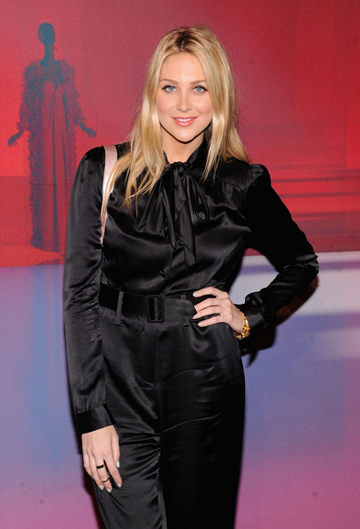 More Pics of Stephanie Pratt Long Straight Cut (1 of 4) - Long Straight Cut Lookbook - StyleBistro