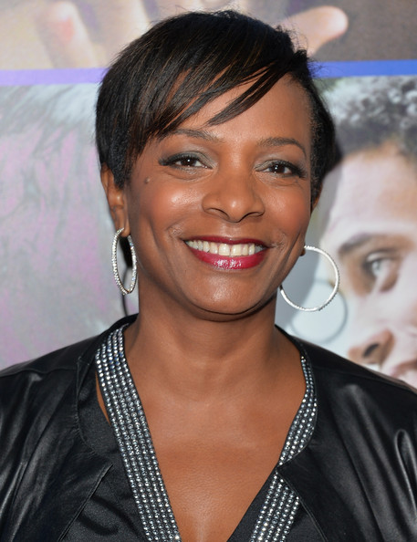Vanessa Bell Calloway Short Side Part [about last night,pan african film arts festival premiere of screen gems,hair,eyebrow,hairstyle,beauty,chin,smile,forehead,black hair,long hair,music artist,arrivals,vanessa bell calloway,arclight cinemas cinerama dome,california,hollywood,pan african film arts festival premiere of screen gems]