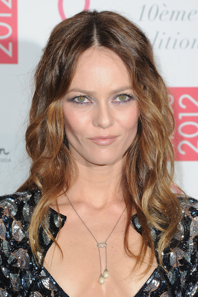 Vanessa Paradis Long Wavy Cut