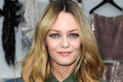 Vanessa Paradis Medium Wavy Cut