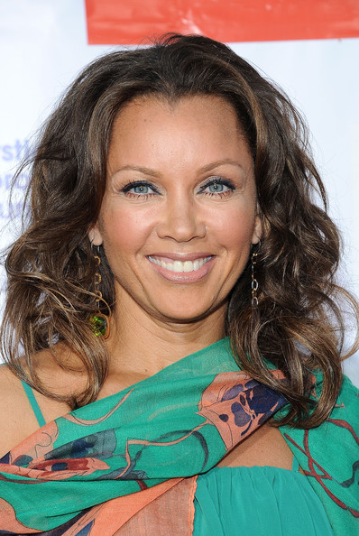 Vanessa Williams Long Wavy Cut