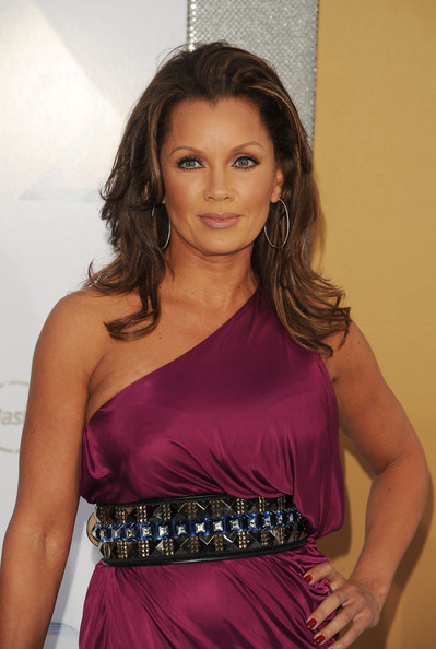 Vanessa Williams Medium Curls