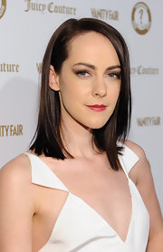 Jena Malone wore her hair in a sleek classic bob at the 'Vanity Fair' and Juicy Couture Vanities 20th Anniversary Party.