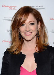 Judy Greer's layered cut softens up her face and brightens up her strawberry blonde highlights.