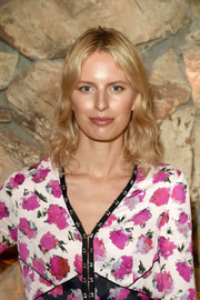 Karolina Kurkova sported casual shoulder-length waves at the launch of Proenza Schouler's Arizona fragrance.