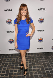 Ahna paired her cobalt blue frock with metallic-detailed sandals.