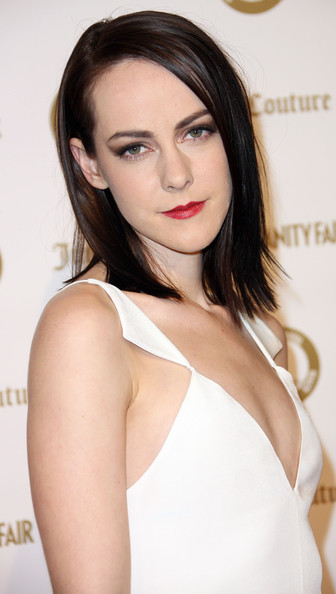 More Pics of Jena Malone Red Lipstick (4 of 4) - Makeup Lookbook - StyleBistro [hair,face,hairstyle,eyebrow,lip,skin,brown hair,beauty,shoulder,fashion model,jena malone,juicy couture ``vanities,california,hollywood,vanity fair,siren studios]