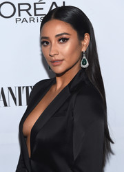 Shay Mitchell wore her hair in a sleek center-parted style at the Toast to Young Hollywood event.