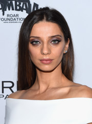 Angela Sarafyan kept it simple yet elegant with this straight hairstyle at the Toast to Young Hollywood event.