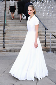 LeeLee Sobieski looked like a princess in this glorious shirtdress at the 'Vanity Fair' party.